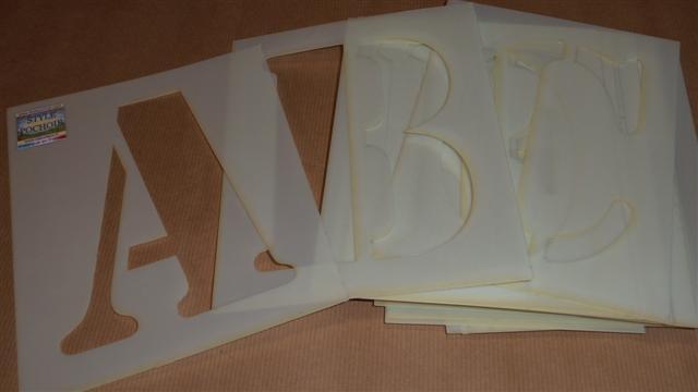 pochoirs de lettres
